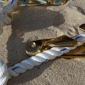 Edelstahl Bootsbeschläge und Oberflächenveredelungen